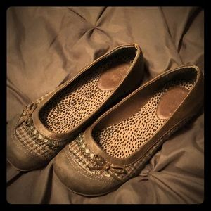 Size 6.5 Brown Flats